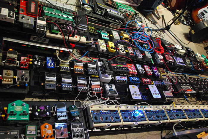 let 39 s get weird your guide to crazy effects pedals noisey. Black Bedroom Furniture Sets. Home Design Ideas
